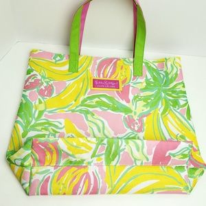 Lilly Pulitzer Bags - Lilly Pulitzer Extra LARGE TOTE